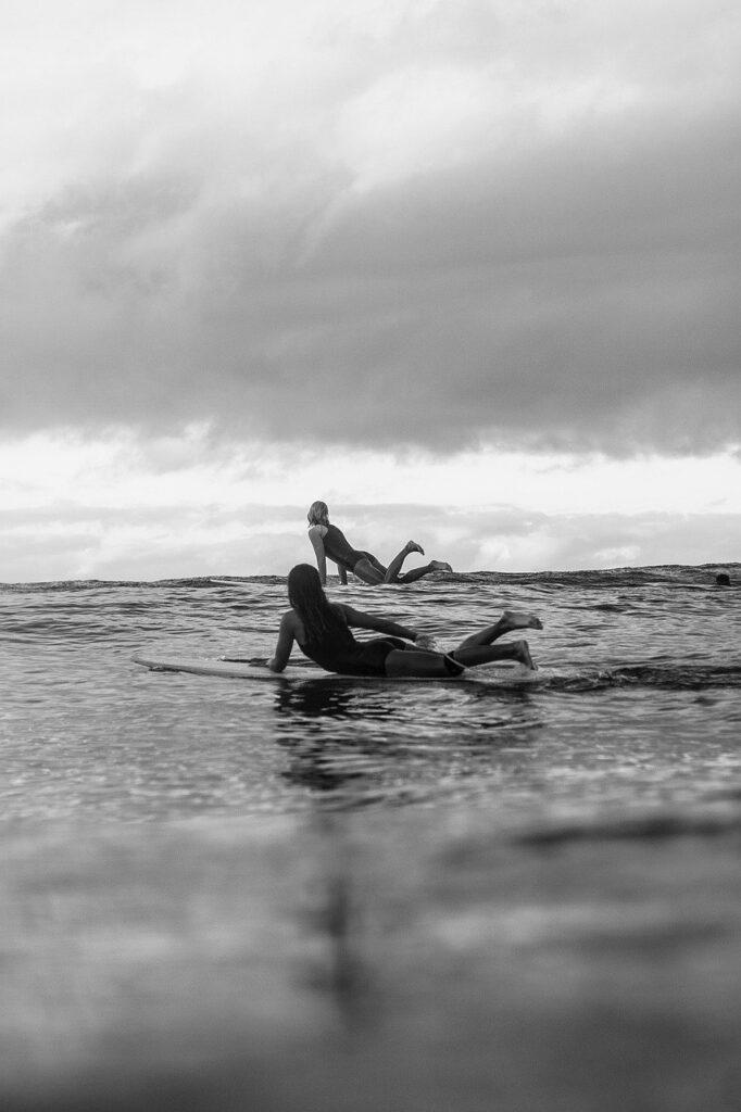 girls, surf, waves-5662900.jpg